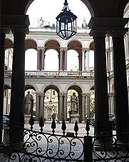 Palazzo_Borghese_Innenhof.jpg