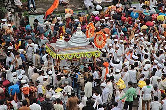 Marathi people - Dnyaneshwar palkhi on its way to Pandharpur