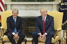 Paolo Gentiloni con il presidente degli Stati Uniti Donald Trump nel 2017