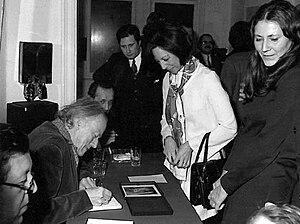 Paul Delvaux - Paul Delvaux signing autographs (1972) Brussels, Belgium