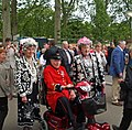 Pearly Queens and a Chelsea Pensioner - geograph.org.uk - 1314763.jpg