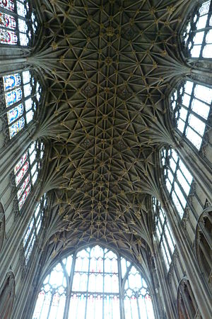 Lierne (vault) - Gloucester cathedral east end with perpendicular lierne vaulting