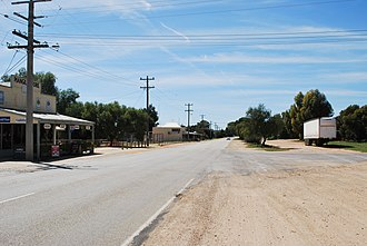 Piangil - Murray St (Mallee Highway), the main street of Piangil