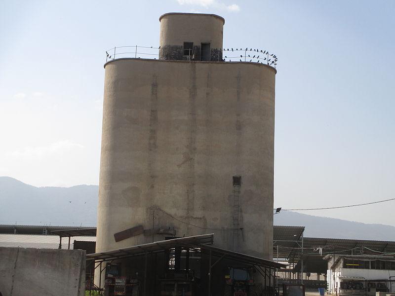 מגדל סילו בכפר בלום