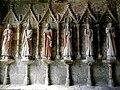 Plouha (22) Chapelle de Kermaria-an-Isquit Porche sud Apôtres 01.JPG