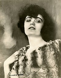 Pola Negri, film actress (SAYRE 4493).jpg