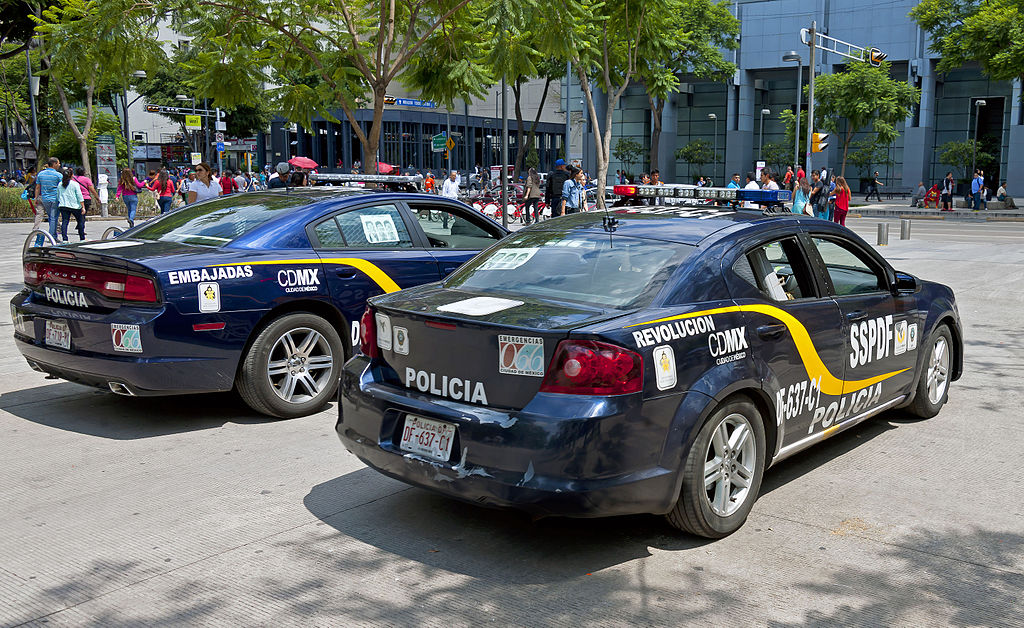 Cars On Line >> File:Police cars parked in Alameda Central, Mexico City.jpg - Wikimedia Commons