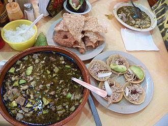 Pozole - Image: Pozole verde estilo Guerrero