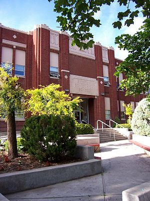 Preston High School (Idaho) - Main entrance in 2007