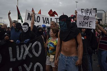 Protest against the World Cup in Copacabana (2014-06-12) 07.jpg