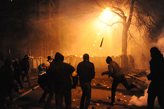 1 December 2013 Euromaidan riots - Violent clashes erupt between protesters and police