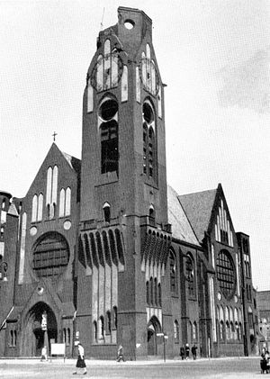 Bombing of Berlin in World War II - The Reformation Church in Moabit, damaged in the night of 22–23 November, 1943