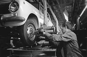 1965 Soviet economic reform - Working on a vehicle in 1969 at the new AvtoVAZ plant in Tolyatti