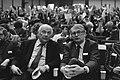 Raads- en Statencongres van de PVDA in Amsterdam. Den Uyl (l.) en fractievoorzit, Bestanddeelnr 931-9773.jpg