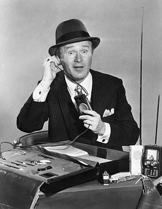 Red Buttons - Buttons as Henry Phyfe