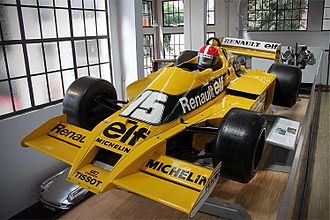 Jean-Pierre Jabouille - Jabouille's Renault RS01 and helmet on display at the Deutsches Museum.