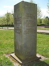 Restitutionsstein für Max Abraham und Angehörige auf dem Südfriedhof in Leipzig (Quelle: Wikimedia)