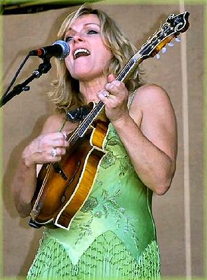 Rhonda Vincent - Rhonda on stage (Amy Miller)