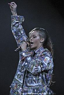 Diamonds World Tour �... Rihanna Diamonds