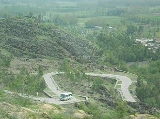 Jamal Garhi - Image: Road to Buddhist Remains