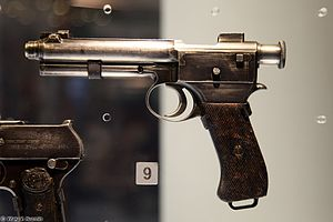 Roth–Steyr M1907 in Tula State Arms Museum - 2016 01.jpg