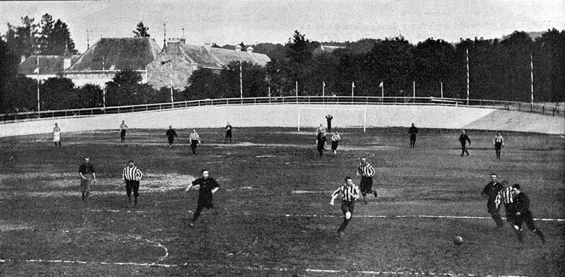 Le Royal Léopold Football Club contre le Royal Football Club de Liège, à Spa le 4 octobre 1896