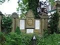 Ruhestätte der Familie Kohlhepp auf dem Kapellenfriedhof.jpg