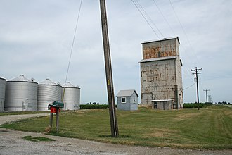 Champaign County, Illinois - Image: Rural Champaign County grain elevator