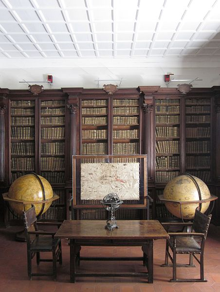 File:Sala dei Globi (Biblioteca Federiciana di Fano).jpg
