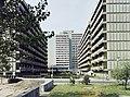 Salgótarján 1975, Meredek utca, a háttérben a garzonházak az Erzsébet téren. Fortepan 84872.jpg
