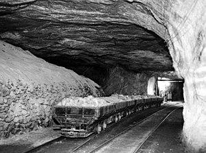 Strataca -  Salt in cars on train tracks underground