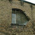 Schade aan venster in de linkerzijgevel van de werkplaats - Sappemeer - 20388304 - RCE.jpg
