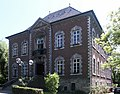 SchlossSchoenauFront.jpg