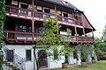 Schmidtmayer'sche Haus Laubenganganlage mit Holzbalustrade - panoramio.jpg