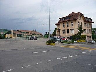 Pfeffikon - Pfeffikon school house