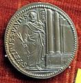 Scuola romana, medaglia di giulio III, 1553 con ss. pietro e paolo.JPG