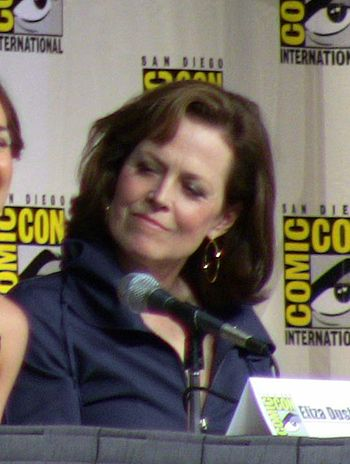 English: Actress Sigourney Weaver – Comic-Con ...