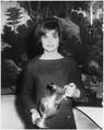 Silver Pitcher presented to White House. Mrs. Kennedy. White House, Diplomatic Reception Room. - NARA - 194176.tif