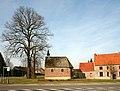 Sint-Catharinakapel met kapelbomen (opgaande linden) - 374967 - onroerenderfgoed.jpg
