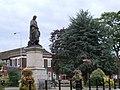 Sir Isaac Newton statue Grantham - geograph.org.uk - 910285.jpg