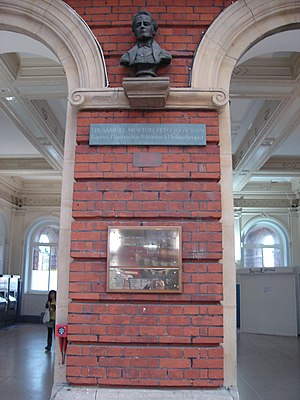 Morton Peto - The bust of Peto in Norwich Station (2010)