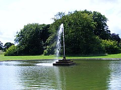 Sledmere House Fountain - geograph.org.uk - 1393063.jpg