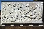 Sowjetische Ehrenmal im Treptower Park - Sarkophag 6.jpg