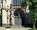 St Agnes Köln Portal mit Kreuz Neusser Strasse 1.jpg