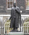 Statue Of Viscount Nuffield-Guys Hospital-London.jpg