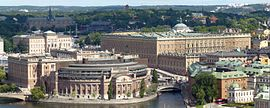 Stockholms slott och Riksdagshuset 2012 pt.jpg