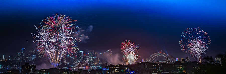 Sydney New Years Eve celebrations 2018 (rainbow fireworks).jpg
