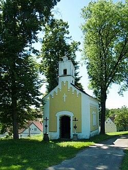 Třebějice - kaple sv. Jana Nepomuckého.jpg