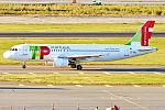 TAP Portugal, CS-TNQ, Airbus A320-214 (21597743663).jpg