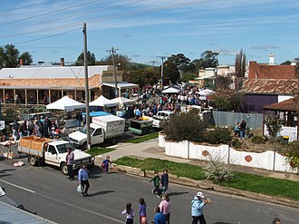 Talbot, Victoria - The Talbot Farmers Market attracts in excess of one thousand people every month.